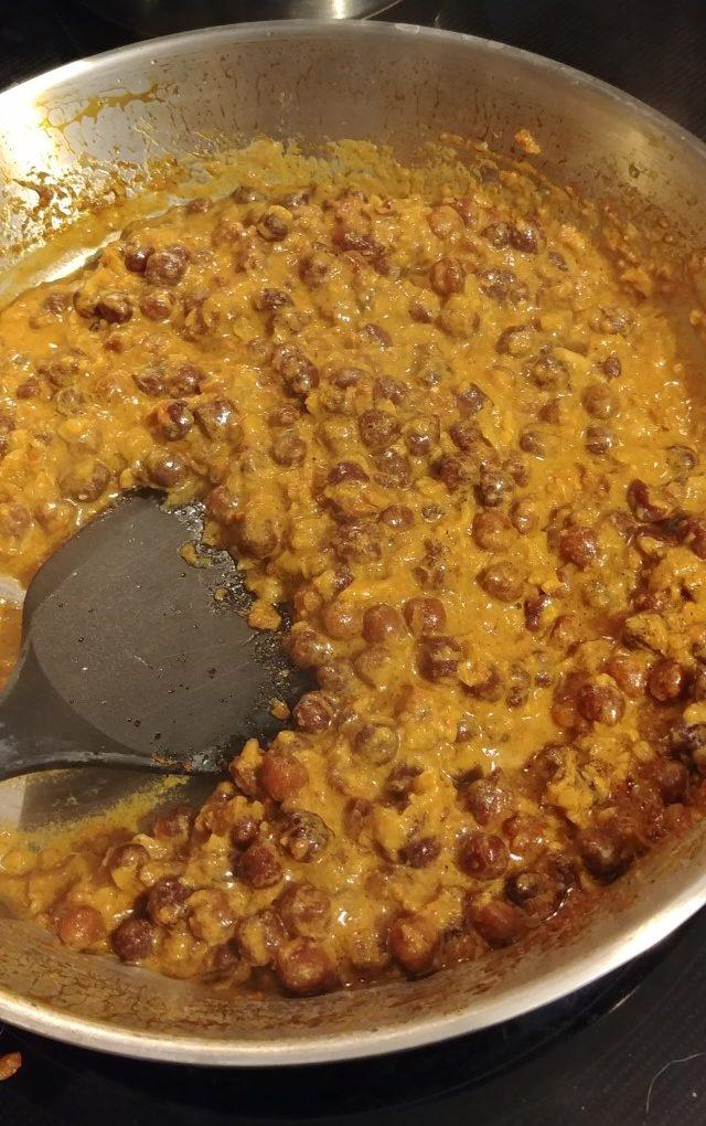 Chana Balti In Pan (Indian chickpea dish)