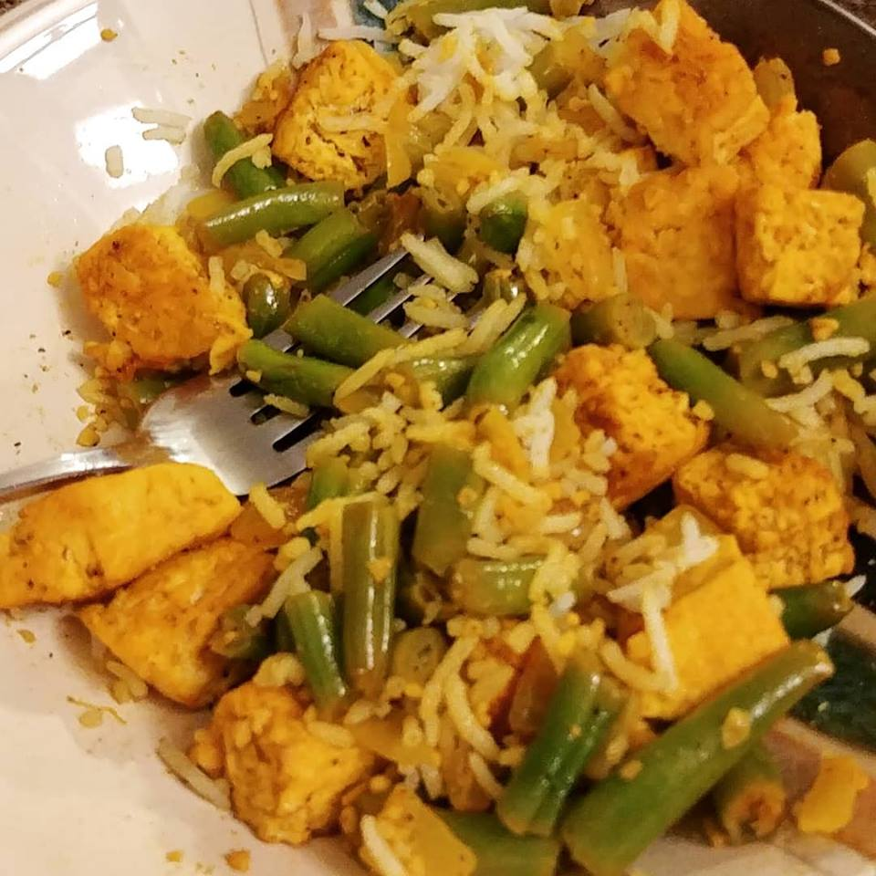Indian Spiced Tofu and Green Beans Curry